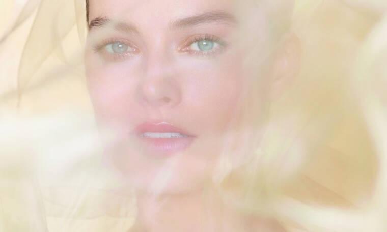 Η Margot Robbie είναι το νέο πρόσωπο του αρώματος Gabrielle Chanel Essence