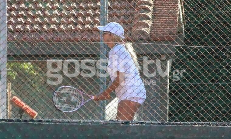 Τύφλα να έχει η Σάκκαρη - Η Σπυροπούλου ξεκίνησε το τένις (photos)
