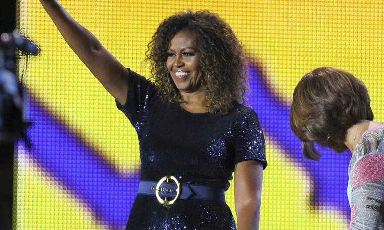 Βρείτε χρόνο για τον εαυτό σας, προτρέπει τις γυναίκες η Michelle Obama