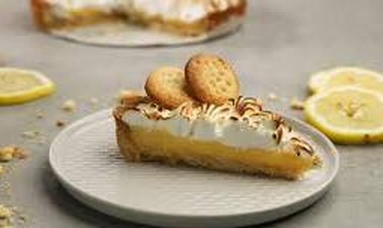 Πεντανόστιμη lemon pie από τον Τσούλη!