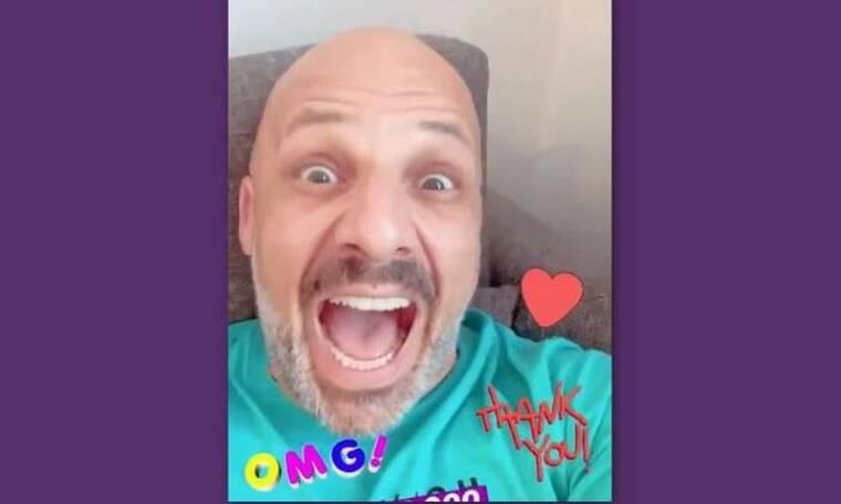 Θα κλαίτε από τα γέλια! 500.000 followers για τον Μουτσινά - Δείτε πώς το γιόρτασε (video)