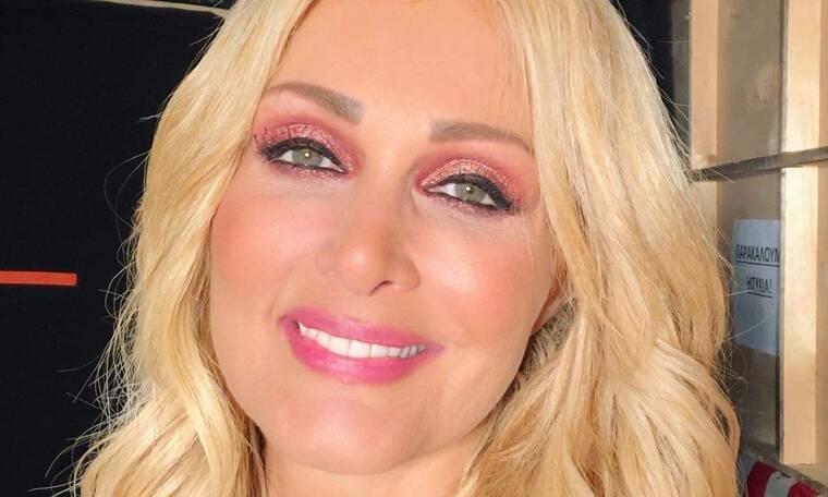 Νατάσα Θεοδωρίδου: Το νέο της τραγούδι έχει γίνει σύνθημα (video+photos)