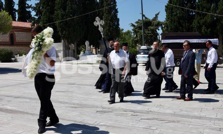 Το τελευταίο αντίο στον σκηνοθέτη Σταύρο Τσιώλη (photos)