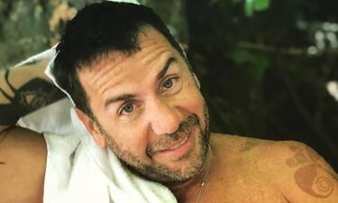 Θα κλαίτε από τα γέλια! Ο Γιώργος Μαζωνάκης σε ρόλο Δέσποινας Μοιραράκη... πουλάει χαλιά (video)