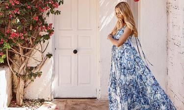 Δούκισσα Νομικού: Ποζάρει με ολόσωμο μαγιό στον όγδοο μήνα της εγκυμοσύνης της