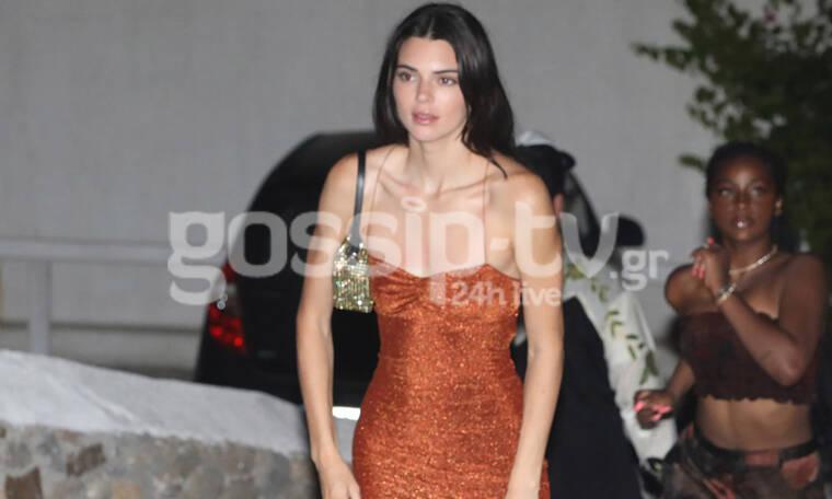 Kendall Jenner: Μα τι στρας είναι αυτό! Μπέρδεψε την Μύκονο με το Λας Βέγκας; (photos)