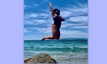 Δανάη Μπάρκα: Τα έτσουξε μεσημεριάτικα με τις φίλες της! (Video)