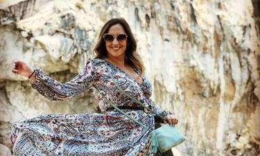 Η εγκυμονούσα Κλέλια Πανταζή ποζάρει με την αδελφή της (photos)