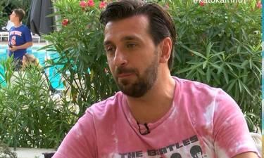 Θάνος Πετρέλης: «Δεν θα ήθελα οι κόρες μου να ακούν τα τραγούδια του Sin Boy» (Video)