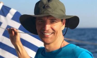 Σάκης Ρουβάς: Δείτε τον να κάνει water sports στην Ελούντα (Video)