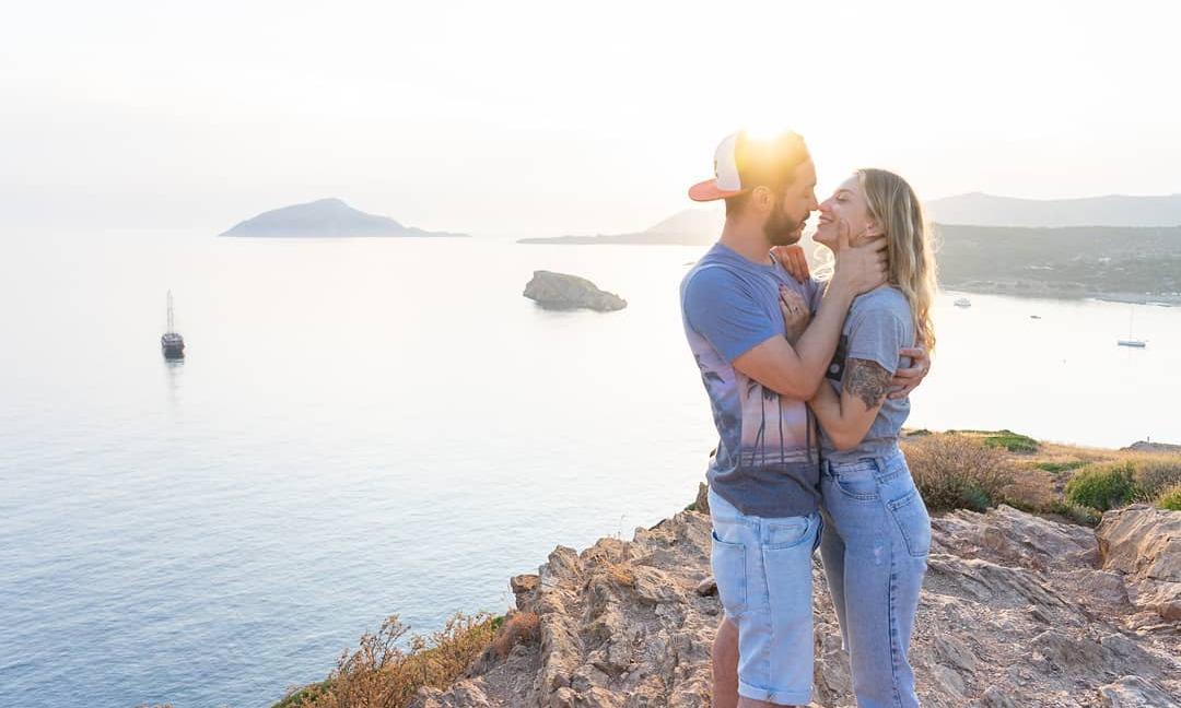 H Έύα με τον σύζυγό της σε μια ρομαντική τους στιγμή!