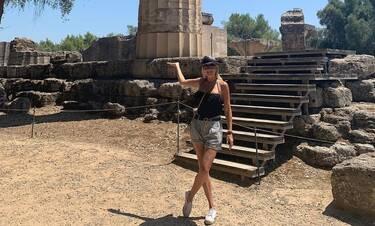 Φαίη Σκορδά: Στην Αρχαία Ολυμπία με τους γιους της (photos)