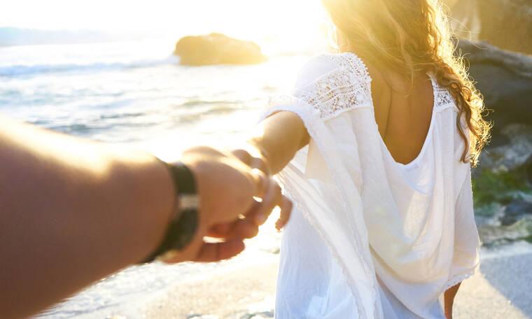 Καλοκαιρινός έρωτας: Τα σημάδια ότι... δεν βγάζει το φθινόπωρο