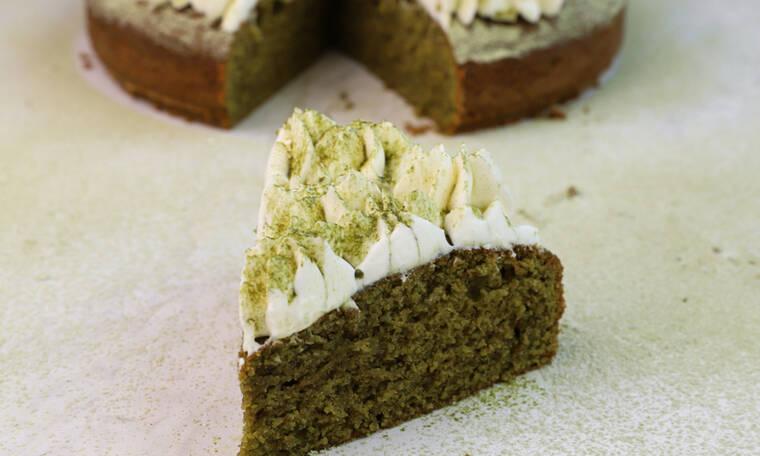 Υπέροχο κέικ με matcha από τον Γιώργο Τσούλη