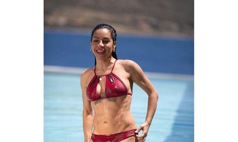 Μαριάντα Πιερίδη: Η άσκηση yoga που σου προτείνουμε να μην κάνεις μόνη στο σπίτι (photos)