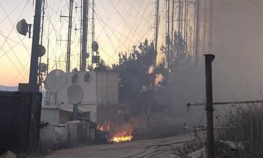 Φωτιά Υμηττός: Ώρες αγωνίας για τους εργαζομένους ραδιοφωνικού σταθμού (Photos)