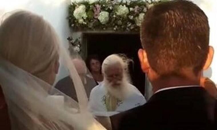 Just Married! Ο λαμπερός γάμος στην Πάρο δίπλα στη θάλασσα και η συγκίνηση! (Videos+photos)