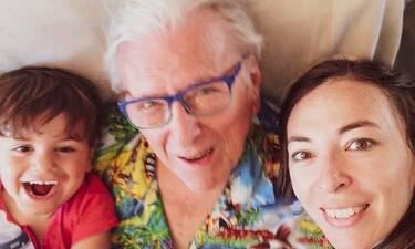 Η τρυφερή φωτογραφία της οικογένειας Βουτσά και τα σχόλια των followers (photos)