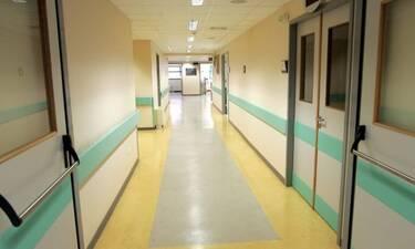 Εσπευσμένα στο νοσοκομείο γνωστή Ελληνίδα τραγουδίστρια - Αυτή είναι η κατάσταση της υγείας της