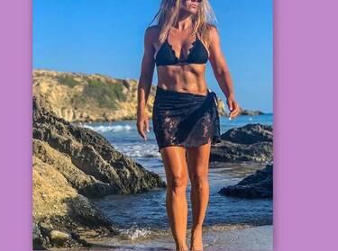Κι όμως! Αυτό το κορμί ανήκει στην 49χρονη Ελληνίδα celebrity, μητέρα 4 παιδιών (photos-video)