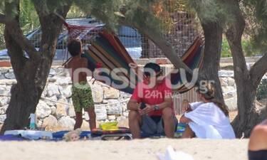 Σάκης Ρουβάς: Δείτε τον σε διακοπές στη Σχοινούσα με την Κάτια και τα παιδιά (photos)