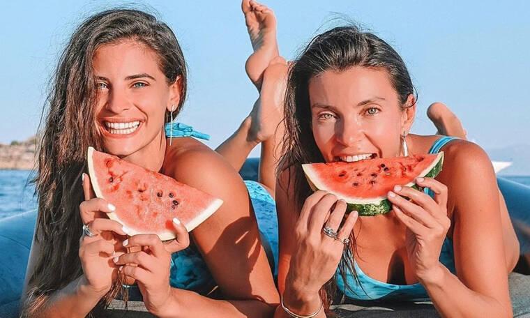 Γιατί όλες οι Ελληνίδες celebrities βγάζουν φωτογραφία με αυτό το φρούτο;
