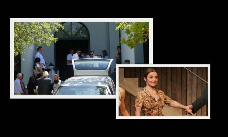 Βαρύ το κλίμα στην κηδεία της ηθοποιού Ελισάβετ Ναζλίδου στη Λάρισα (photos)