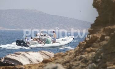 Πρίγκιπας Παύλος: Οι διακοπές με την οικογένεια στην Αντίπαρο και η βόλτα με το σκάφος (photos)