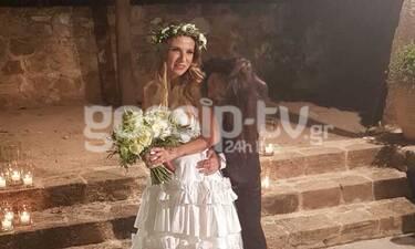 Γάμος Ευρυδίκης - Κατσιώνη: Η έξοδος του ζευγαριού και το τρυφερό φιλί (exclusive photos&video)