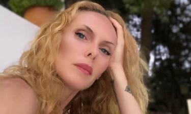 Εβελίνα Παπούλια: Τη θυμάστε με αυτά τα μαλλιά; Ξεχάστε την! Δείτε την απίστευτη αλλαγή που έκανε