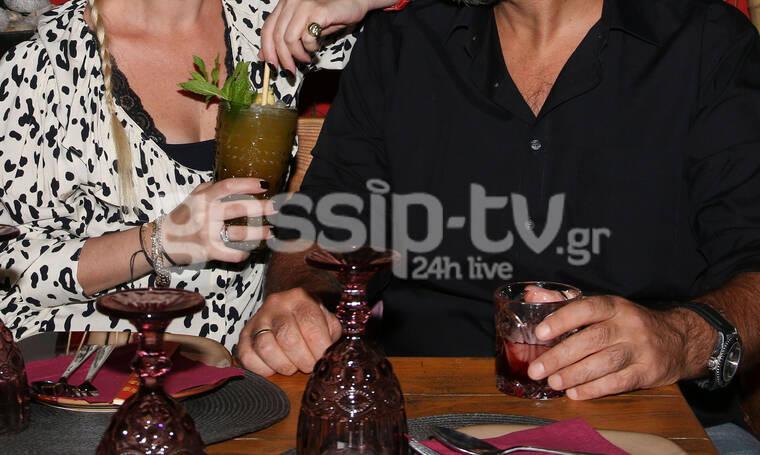 Ρομαντικό δείπνο για δυο- Έτσι γιόρτασαν την επέτειό τους (photos)
