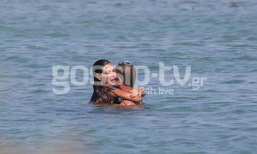 Αντώνης Σρόιτερ - Ιωάννα Μπούκη: Όπως δεν τους έχουμε ξαναδεί - Οι αγκαλιές και τα χάδια (photos)
