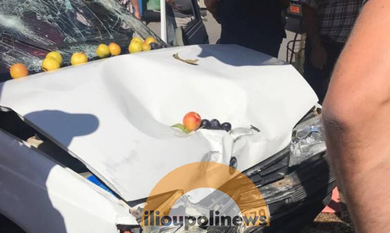 ΤΩΡΑ: Θρίλερ στην Ηλιούπολη - Αυτοκίνητο έπεσε σε πάγκο Λαϊκής -Tρεις τραυματίες (pics)