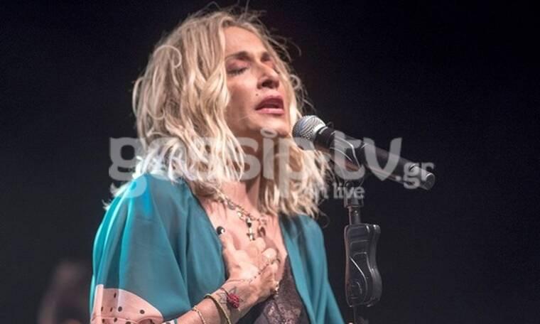 Άννα Βίσση: Ξέσπασε σε κλάματα πάνω στη σκηνή - Τι συνέβη; (photos)