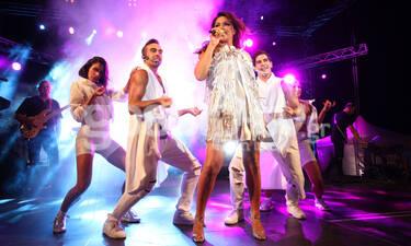 Η πρώτη συναυλία της Παπαρίζου με το νέο look (photos)