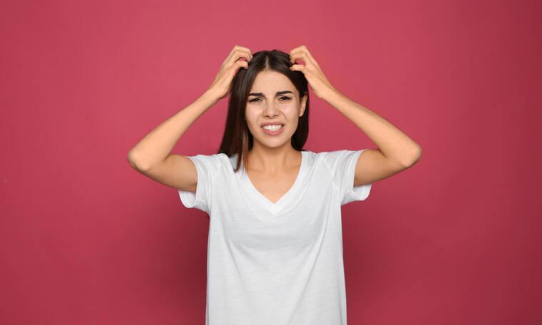 Φαγούρα στο κεφάλι: 4 αιτίες σε εικόνες