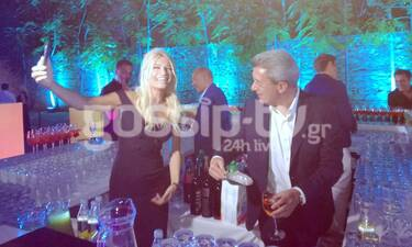 ΑΝΤ1: Ο… παρκαδόρος Γιώργος Παπαδάκης, η... σερβιτόρα Ζέτα Δούκα και Χατζηνικολάου-Σκορδά στο μπαρ!