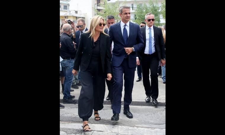 Κηδεία Μαχαιρίτσα: Ο Κυριάκος Μητσοτάκης με τη σύζυγό του Μαρέβα στο τελευταίο αντίο (video+photos)