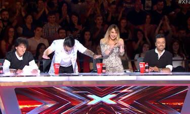 X-Factor: Οι κριτές υποκλίθηκαν στο ταλέντο της! Η ερμηνεία που τους καθήλωσε! (Video)