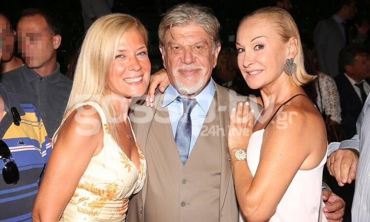 Γιάννης Βούρος: Στο πλευρό του και οι δύο πρώην γυναίκες του! (photos)