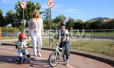 Κατερίνα Καραβάτου: Δεν πάει ο νους σας πού την εντοπίσαμε με τα παιδιά της (photos)