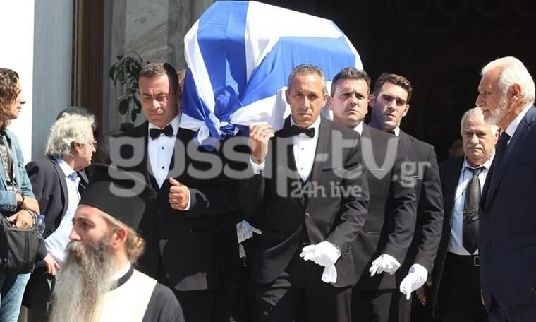 Κηδεία Αντώνη Λιβάνη: Το τελευταίο αντίο στον γνωστό εκδότη και πολιτικό (photos)