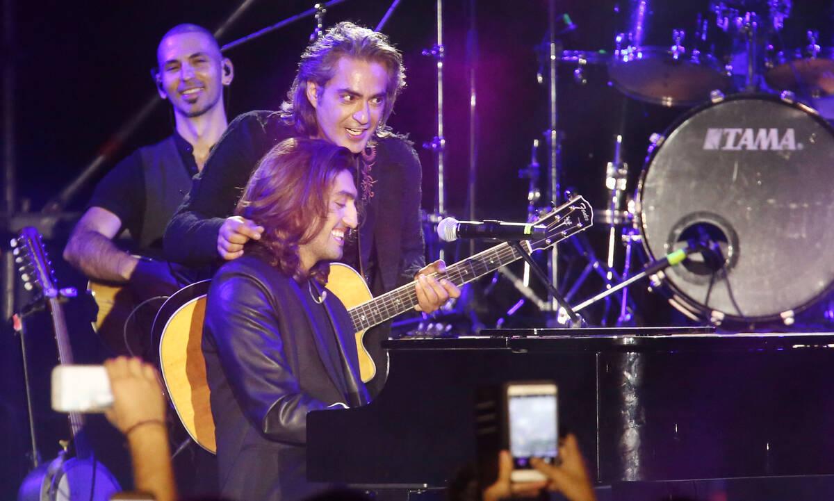 Με τον γιο του Δημήτρη στη σκηνή
