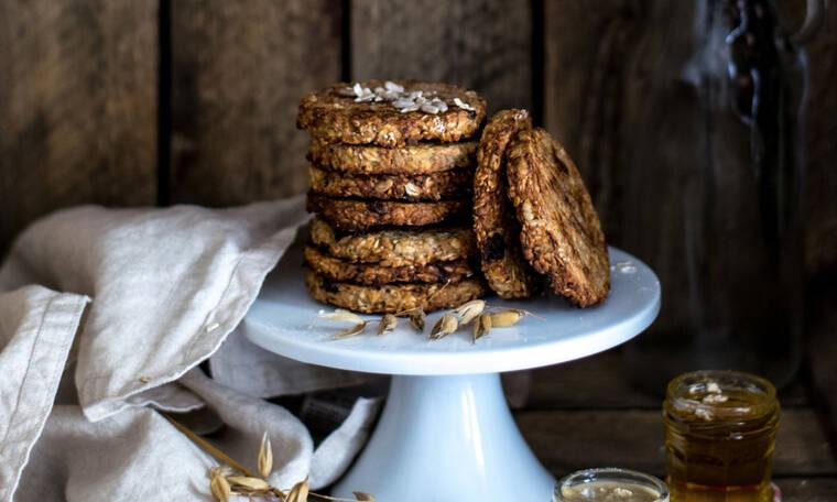 3 υγιεινές συνταγές για μπισκότα που μπορείς να παίρνεις κάθε μέρα στο γραφείο, χωρίς ενοχές