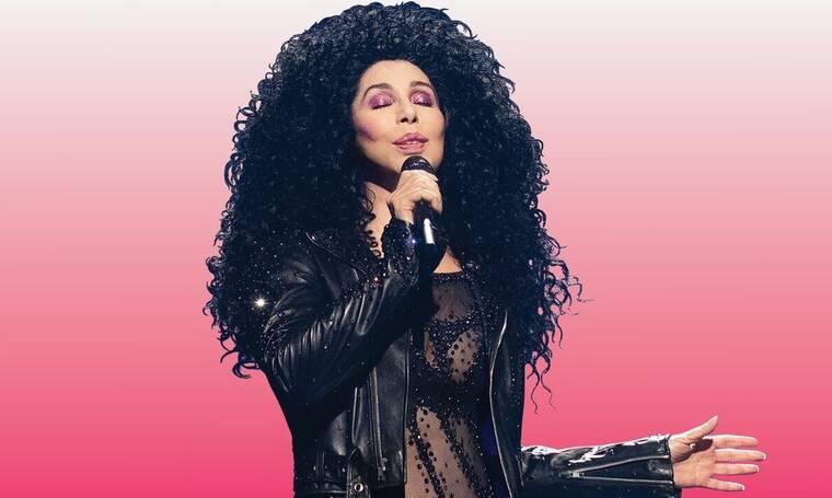Θα πάθετε πλάκα! Δείτε πώς είναι η Cher στα.... 73 της - Ανέβηκε στη σκηνή & τους άφησε άφωνους