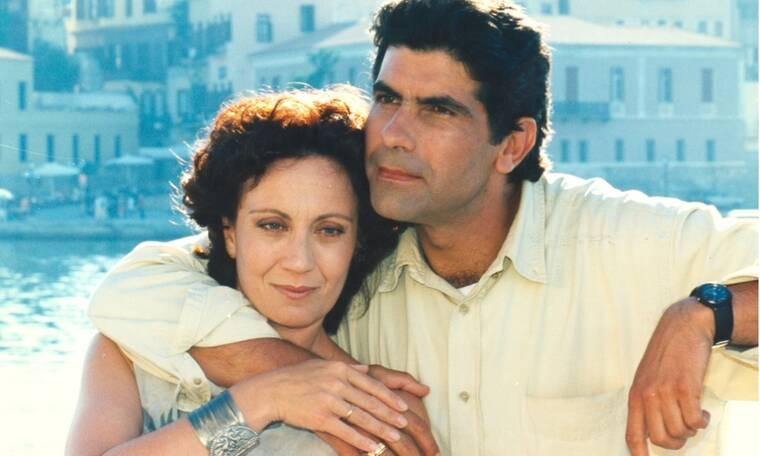 Δεν θα το πιστεύεις!Έτσι ήταν στη σειρά «Απών» - Η Θέμις Μπαζάκα 24 χρόνια μετά είναι ίδια! (Photos)