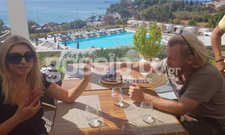 Κ. Σπυρόπουλος: Τούρτα-έκπληξη για τα γενέθλιά του! Δεν φαντάζεστε τα πόσα έκλεισε! (exclusive pics)