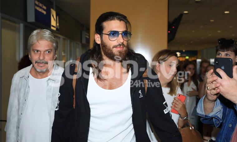 Φτερωτός Θεός: Ο Τζαν ήρθε στην Αθήνα- Το αδιαχώρητο στο αεροδρόμιο για μια selfie μαζί του (photos)