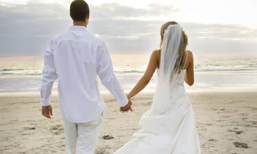 Ραφτήκατε; Η τραγουδίστρια παντρεύεται σε μία βδομάδα στη Μύκονο (Video)
