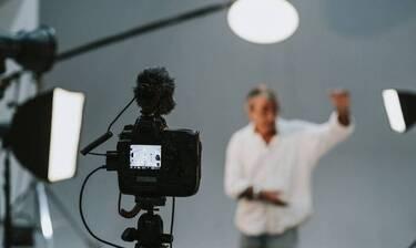 Σοκ: Στο ψυχιατρείο πασίγνωστος Έλληνας παρουσιαστής